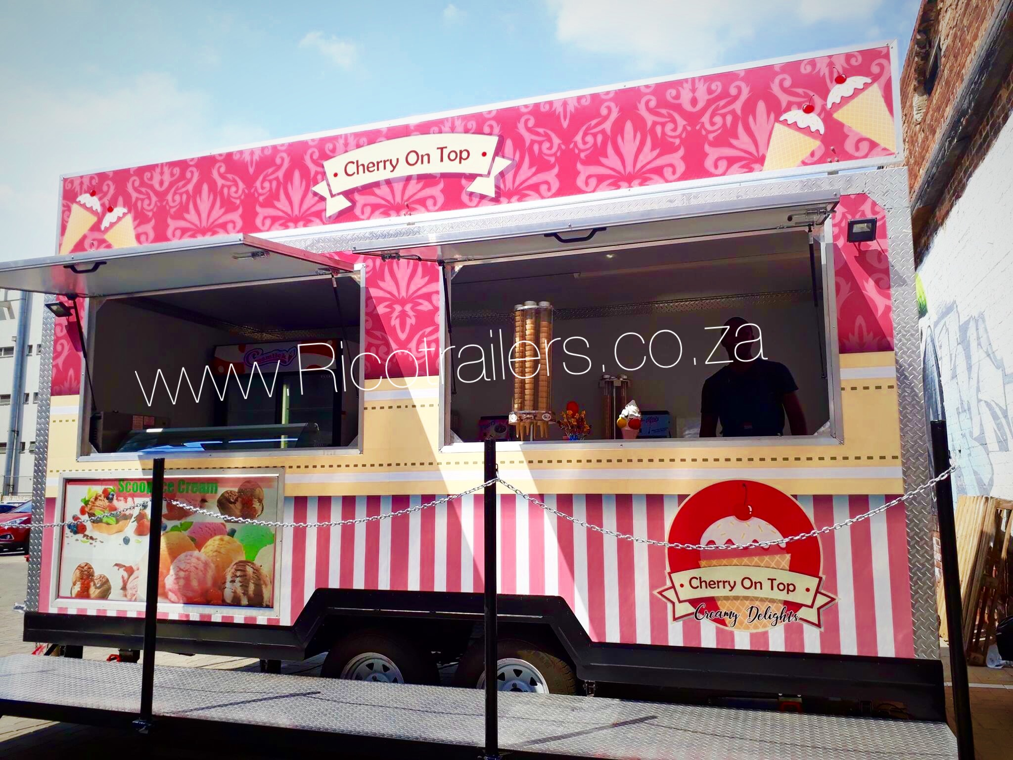 MOBILE KITCHEN FOOD TRAILER SALES